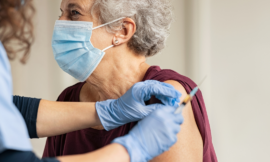 Casos de Covid-19 caem 40%: 60% da população já foi vacinada